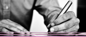 handen-schrijven-zw-met-roze-streepjes